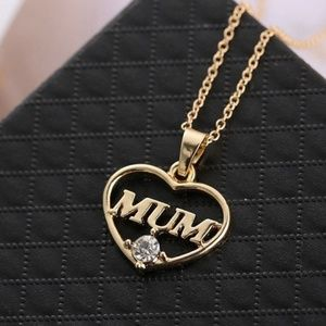 Jewelry - Amazing Mother's Rhinestone Gold Heart Necklace